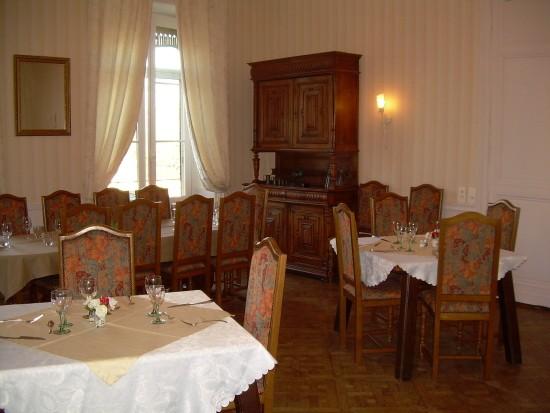 Photos sans flash du restaurant europhotel maupas n 1 for Le petit salon villereal